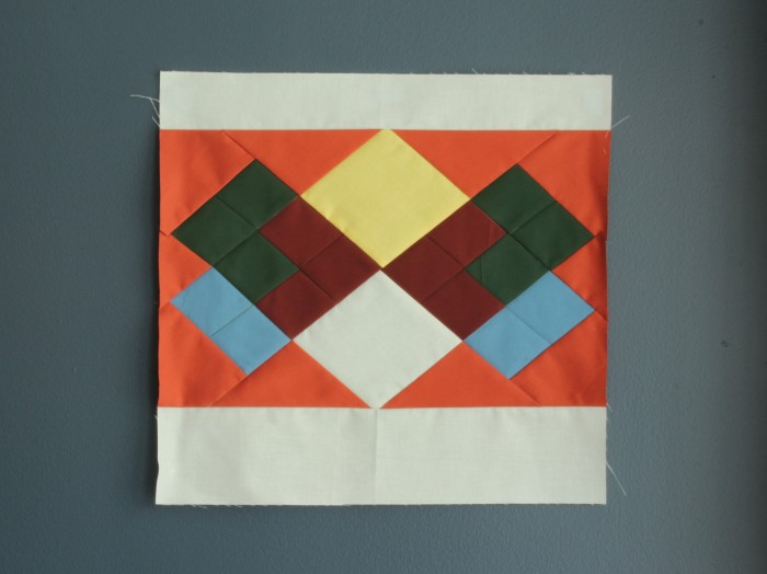 Quilt block that looks like the sweater Reggie Watts wore on Season 2 Episode 2 of Comedy Bang Bang